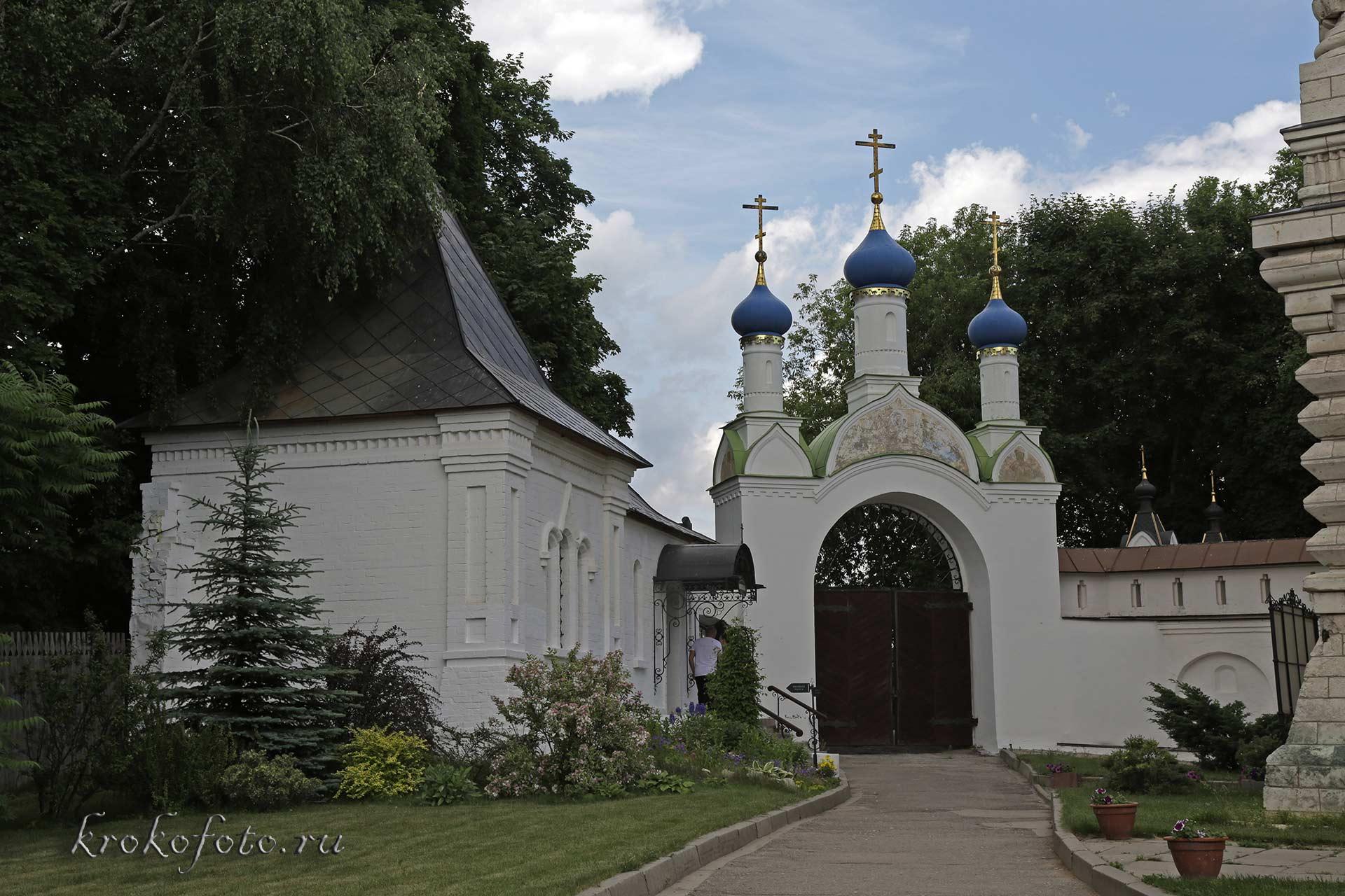 монастырь 13