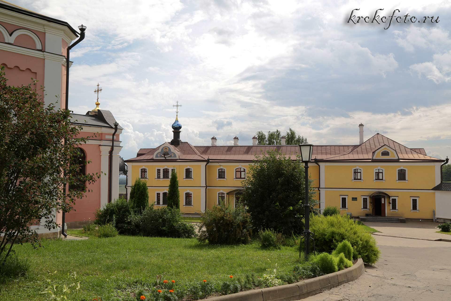 монастырь 24