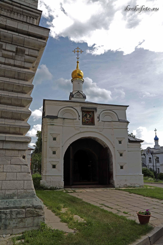 монастырь 8